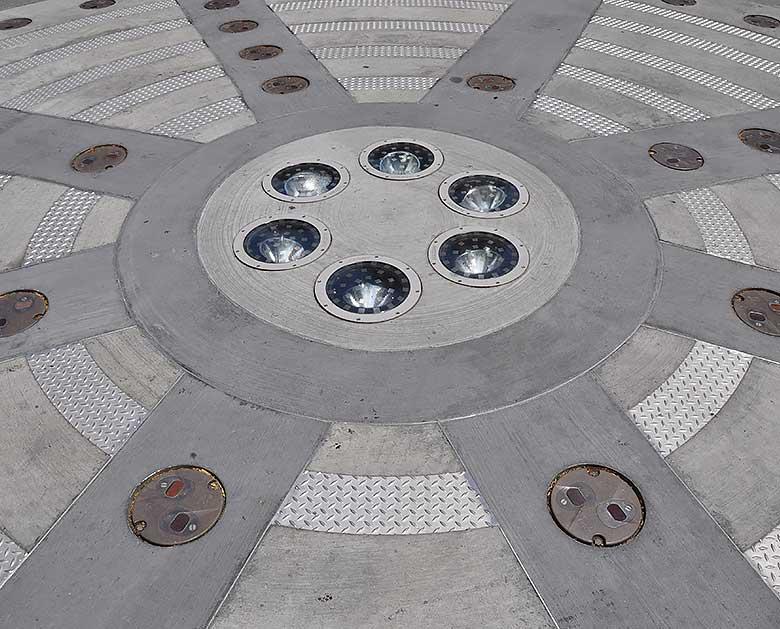 Manhattan Light Sculpture